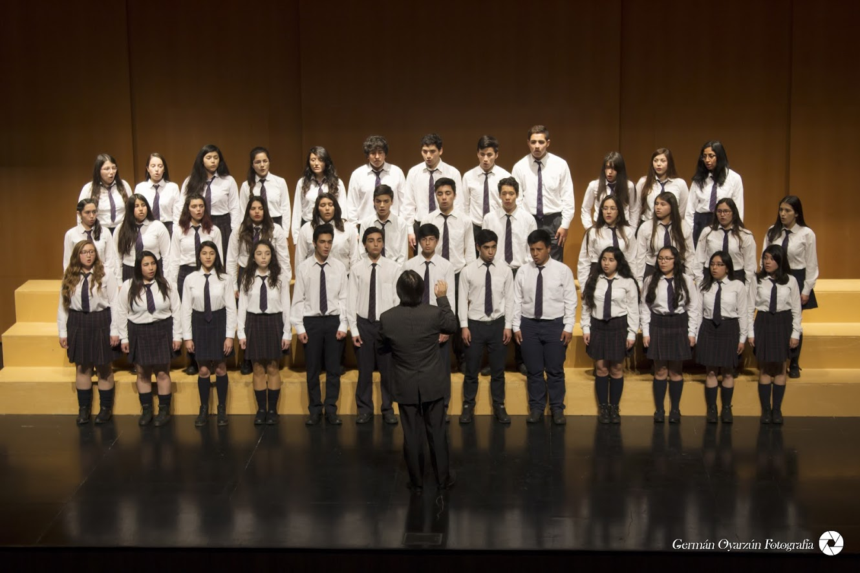 """Crecer Cantando"" a través de la UTALCA reunió el talento escolar de Chile"