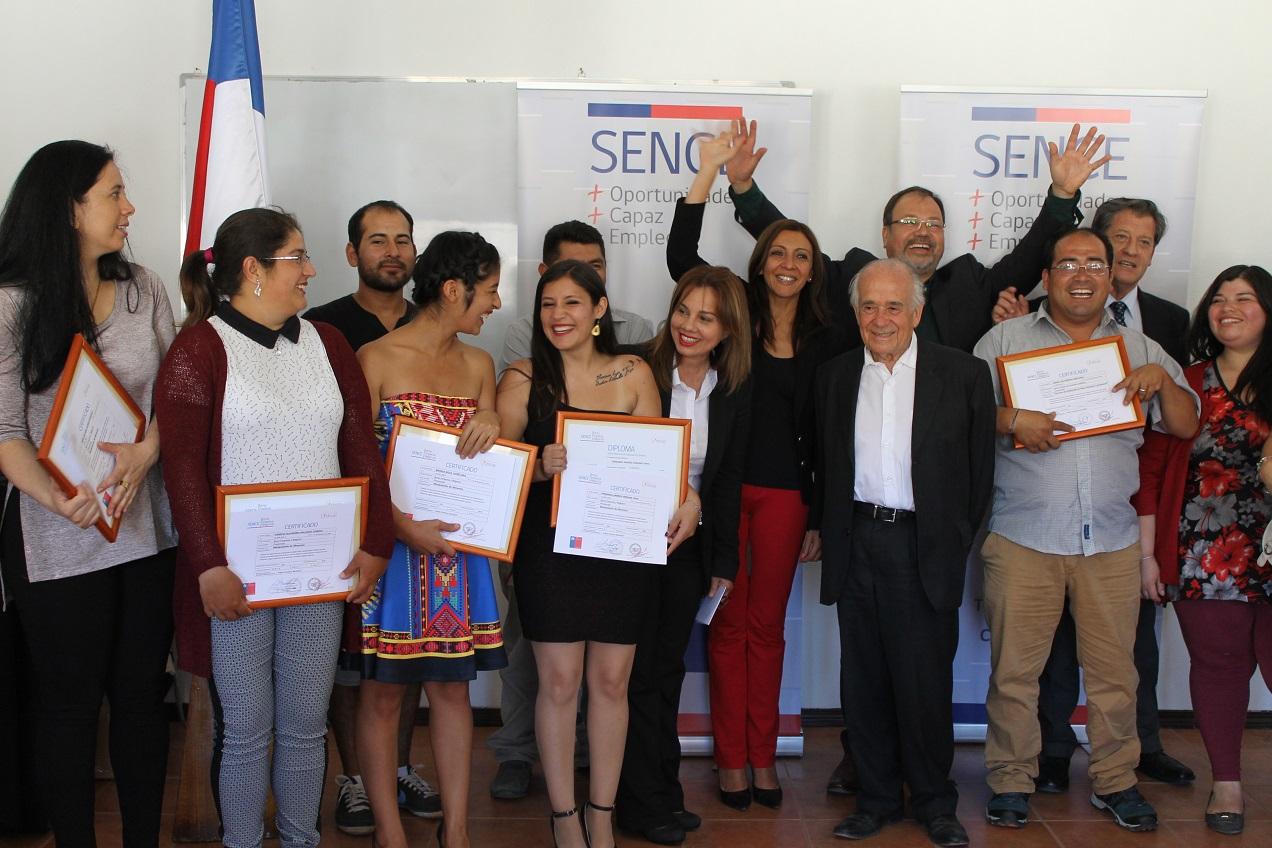 En Constitución: 24 microempresarios y personas cesantes se capacitaron a través del SENCE