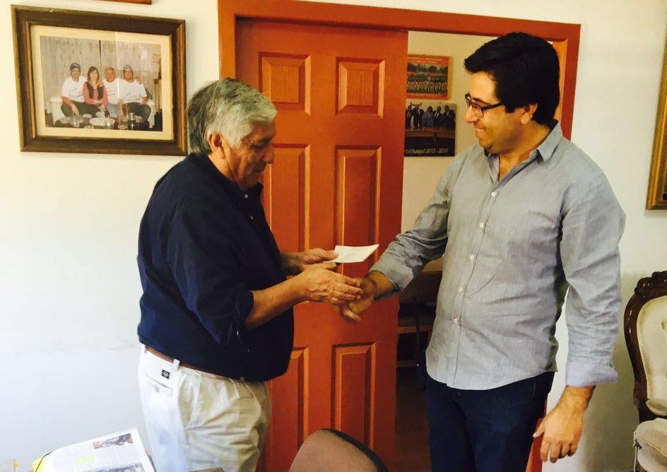 Municipalidad de Cauquenes entrega nuevo cheque a Bomberos ahora por 16 millones de pesos