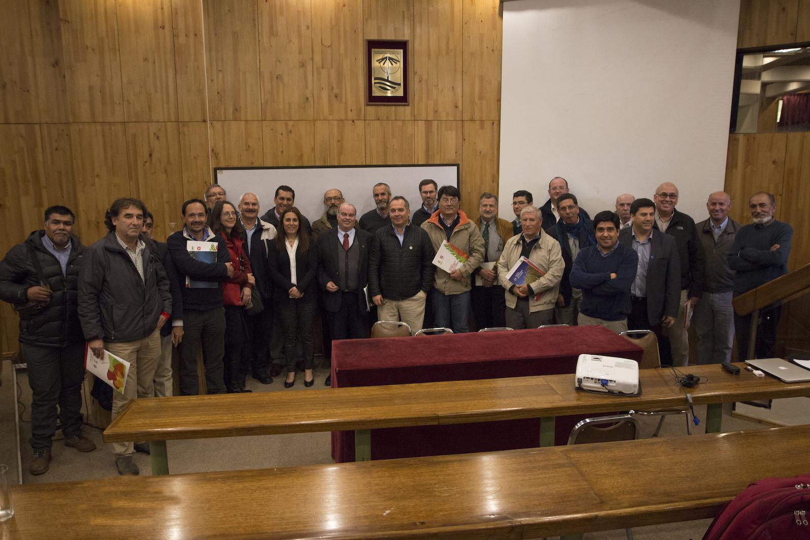 Avances en el fomento del cultivo y utilización de álamos y sauces marcan nueva asamblea de la Comisión Nacional del Álamo