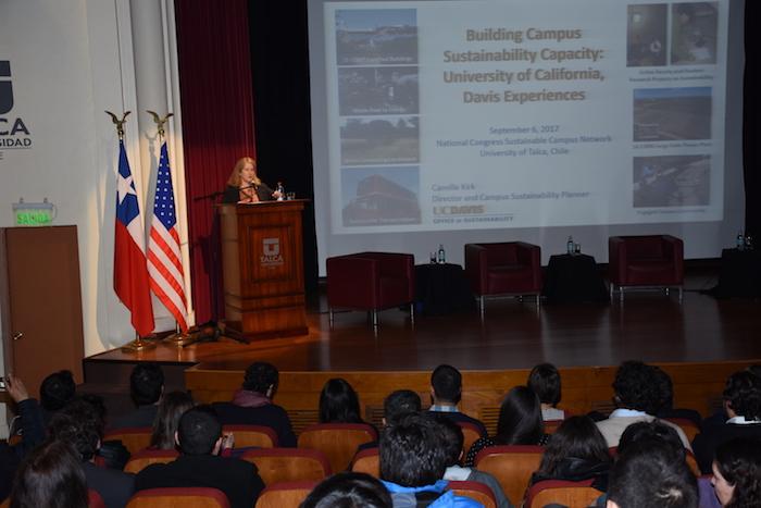Científica de la universidad más sustentable del mundo visitó la UTALCA