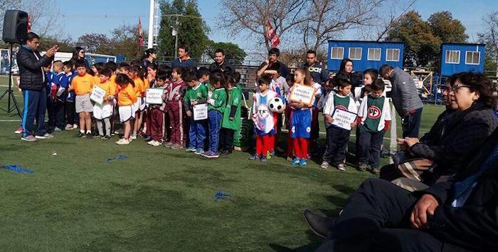 Gran cantidad de escolares participaron del Primer Encuentro Formativo de Fútbol Mixto en Talca
