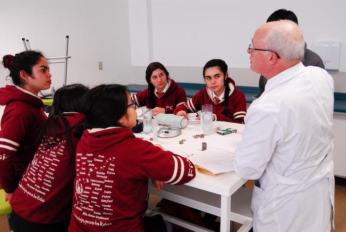 La apuesta por motivar a los jóvenes a ser los futuros científicos de Chile