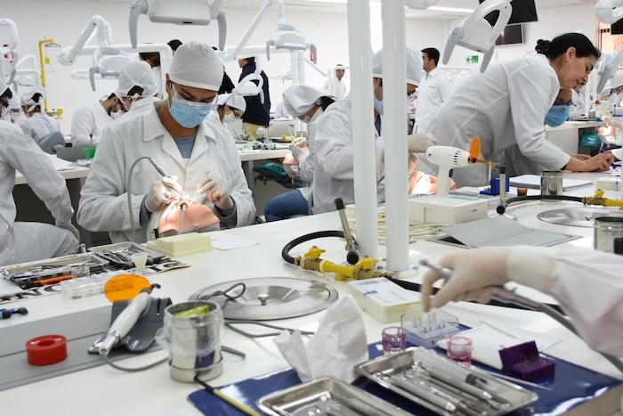 Universidad de Talca inaugura el Laboratorio Preclínico de Odontología más avanzado del país