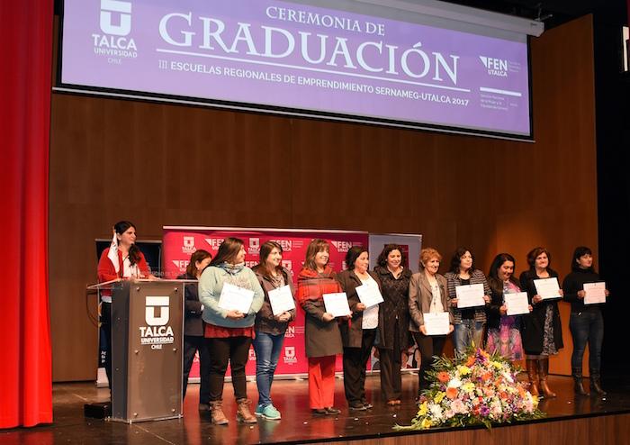 Más de 100 mujeres se graduaron de las Escuelas de Emprendimiento
