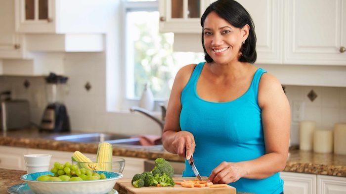 Ganar peso suele ser un problema en las mujeres que avanzan hacia la menopausia