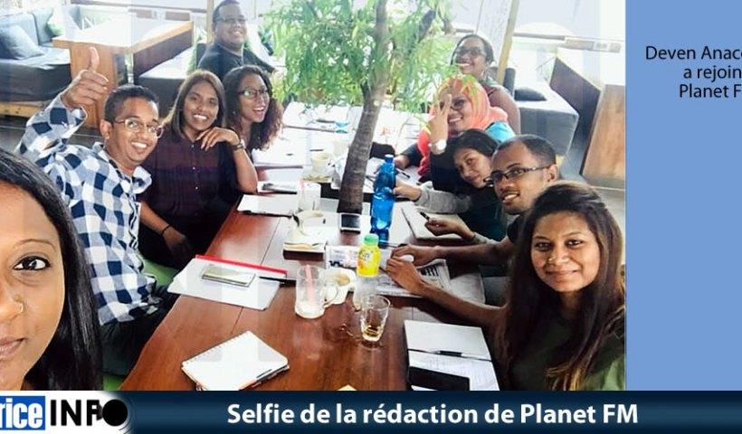Selfie de la rédaction de Planet FM