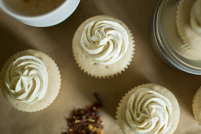 white chocolate chai spice cupcakes