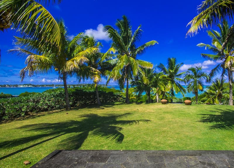 Villa Om Shanti, your villa on the east coast of Mauritius. Beach villa in Mauritius. Luxury beach front accommodation on the island. AirBnB Mauritius