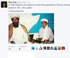 Uno dei figli di Osama bin Laden, Hamza, con il padre in una foto senza data. PROFILO TWITTER RITA KATZ +++ATTENZIONE LA FOTO NON PUO? ESSERE PUBBLICATA O RIPRODOTTA SENZA L?AUTORIZZAZIONE DELLA FONTE DI ORIGINE CUI SI RINVIA+++
