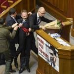 Yatsenuìiuk al parlamento di KIev
