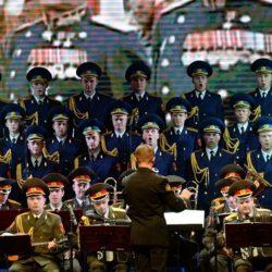 ANDAVANO IN SIRIA PER  FAR FESTA COI SOLDATI RUSSI