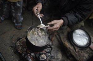 Gaza, brodo di zampe di gallina