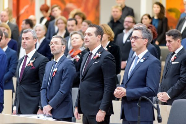 Vienna: orrore, non applaudono al Giorno della Memoria!