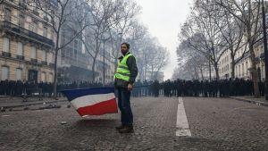 OMAGGIO ai francesi in lotta (loro)