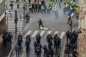"IN FRANCIA HA VINTO LA ""DEMOKRATIA""UE (contro i fascisti, omofobi, antisemiti..))"