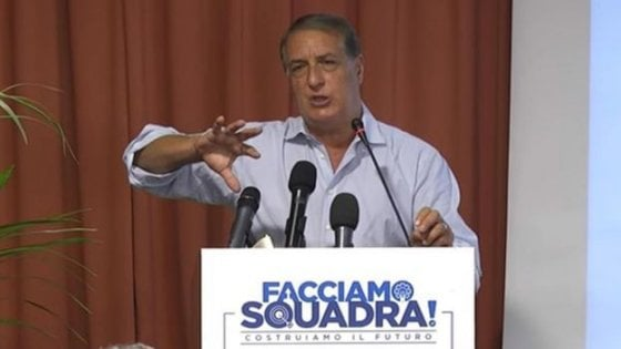 """""""La prova è evidente"""", giudizio immediato per Arata, l'ex consulente di Salvini: """"Mazzette per i parchi eolici"""""""