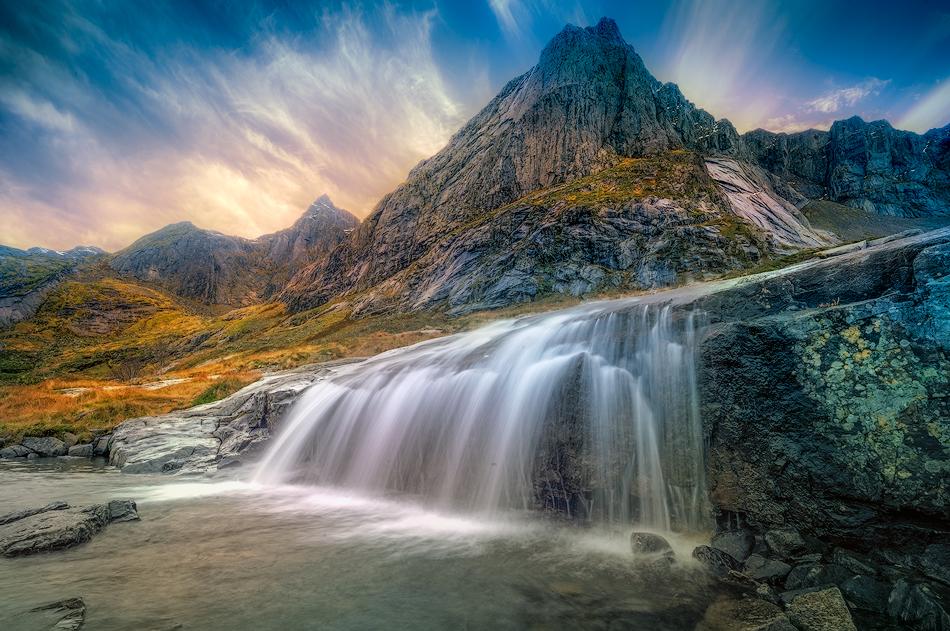 ©--north-waterfall