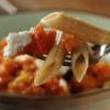 Penne integral ao molho de tomate e queijo Cottage Dieta Bistrô