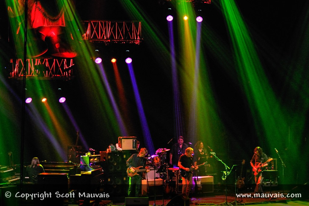 """Furthur performs """"Playing in the Band"""" on December 30, 2010 at Bill Graham Civic"""