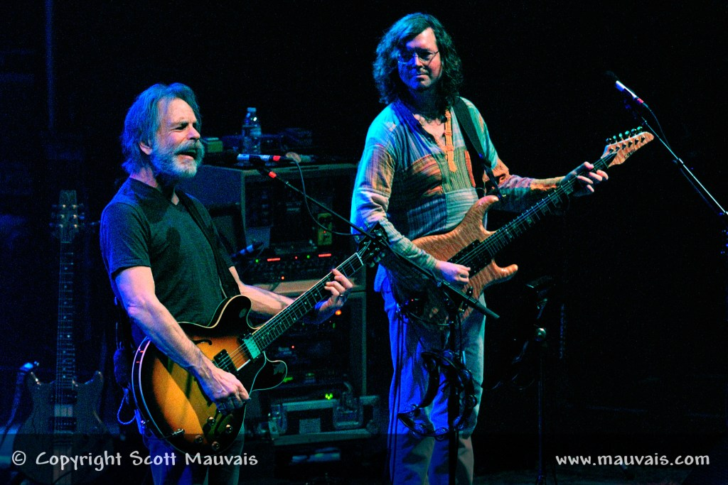 """Furthur perform """"Let it Grow"""" on New Year's Eve 2010"""