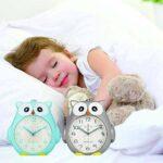 Kakeyi Réveil pour enfant sans tic-tac Réveil avec veilleuse et snooze pour garçons et filles Veilleuse de nuit Fonction Snooze Réveil