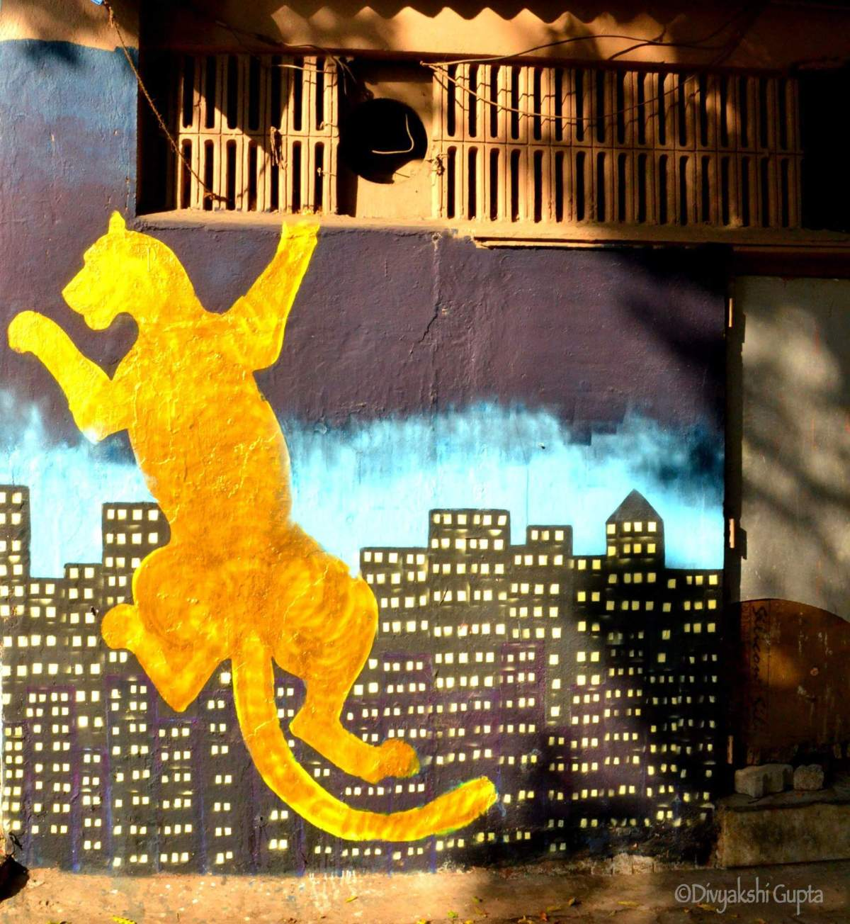#quirkywanderer #travelbloggerindia #travelblogindia #streetartmumbai