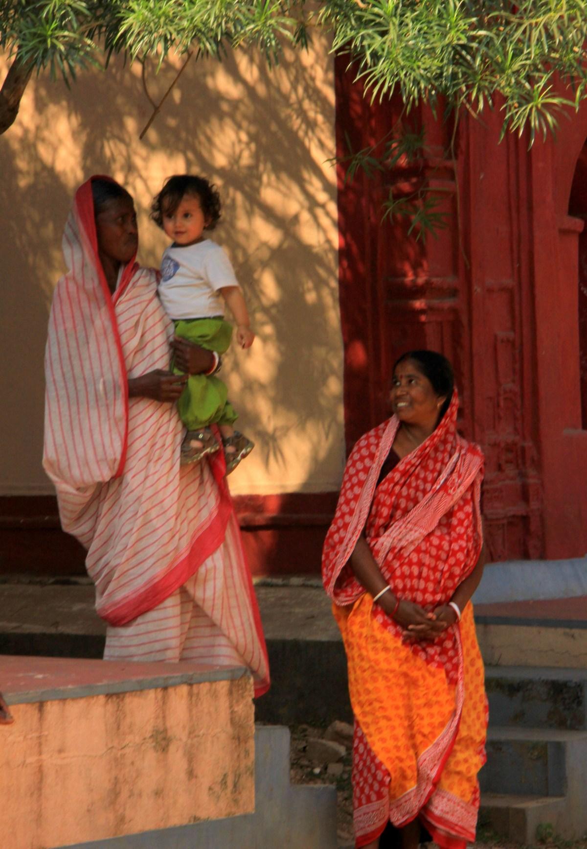 Amadpur Baithakkhana is child friendly