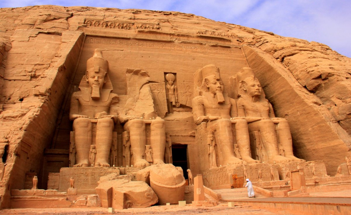 Aswan guide mentions a visit to Abu Simbel