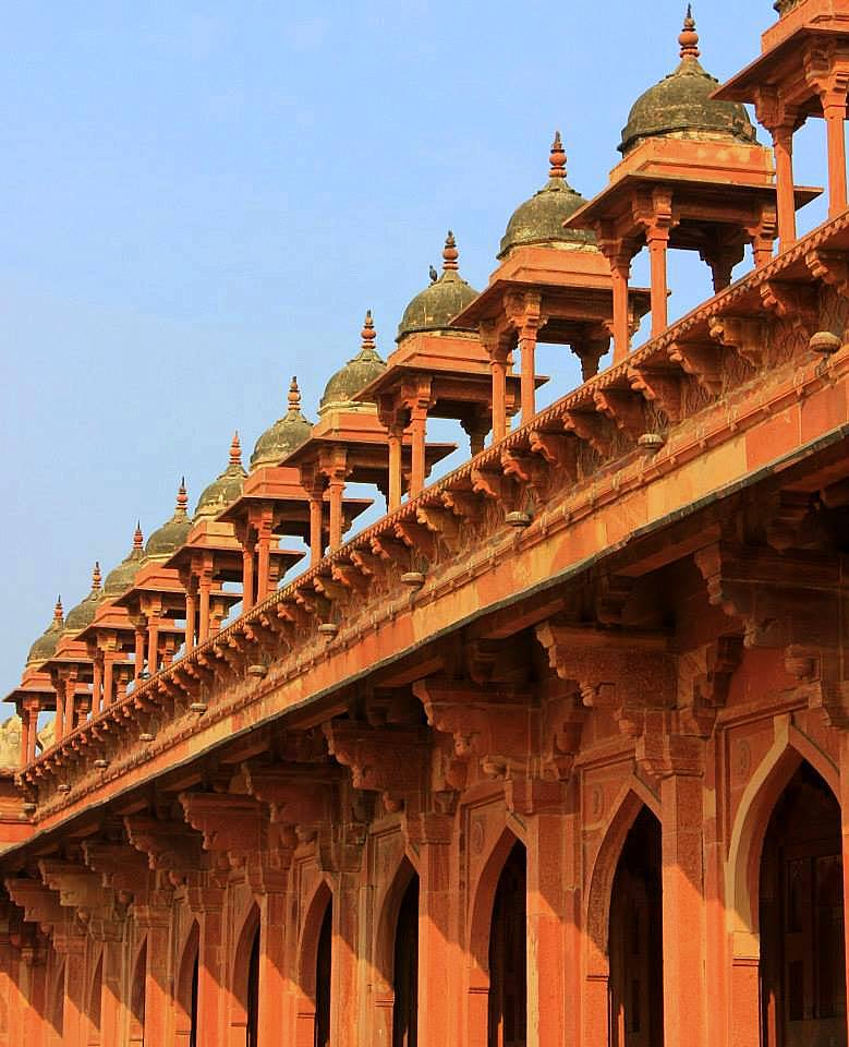 fatehpur sikri was A once bustling capital city is now ghost complex