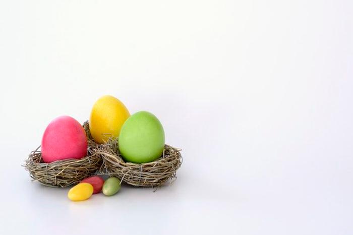 Actividades con huevos de Pascua: cocinar y jugar