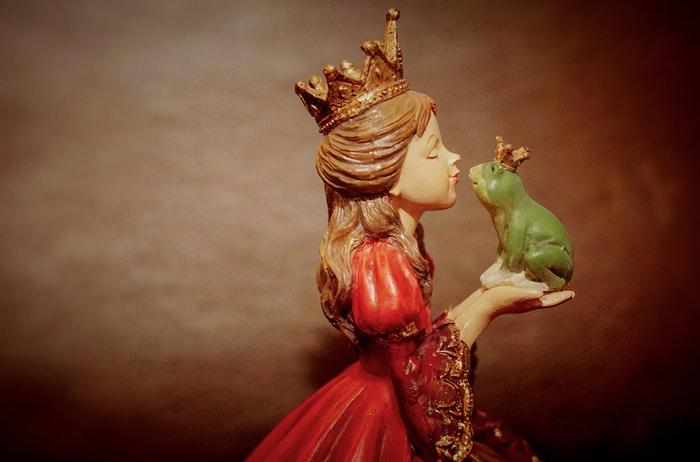 Cuentos de hadas con princesa y rana