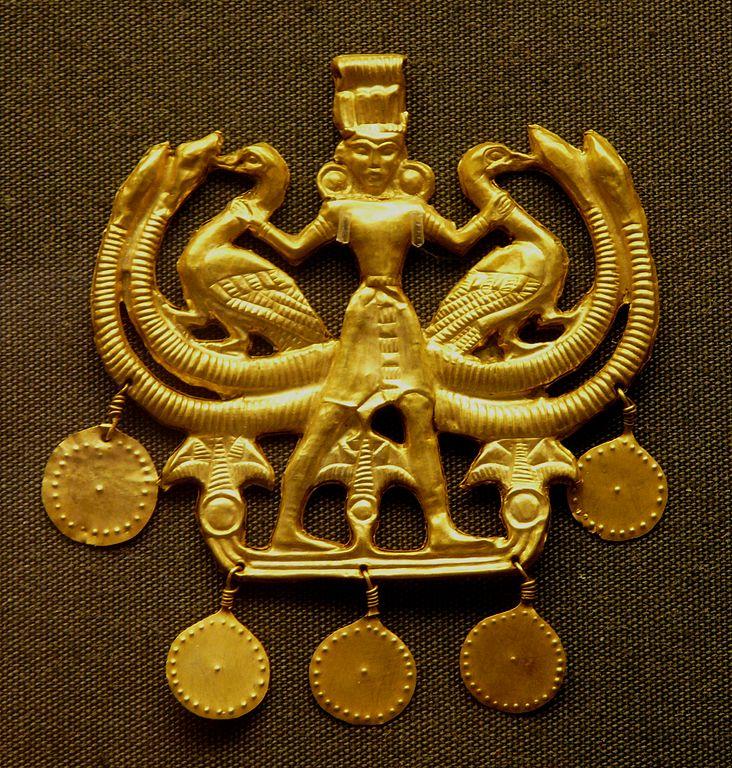 Figura de oro de la Potnia, divinidad femenina