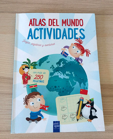 Cuaderno de actividades con mapas