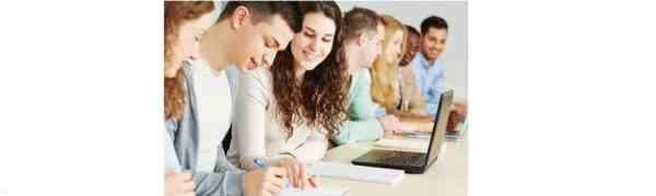 Endspurt zur Fachhochschulreife und zum Abitur - die letzten Plätze in der Fachoberschule und der Höheren Handelsschule werden vergeben.