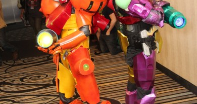 Samus of Metroid - Cosplay from Midwest Media Expo