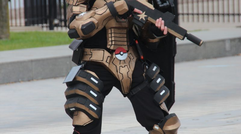 Cosplay - Youmacon - 2017 - Eevee - Pokemon Armor