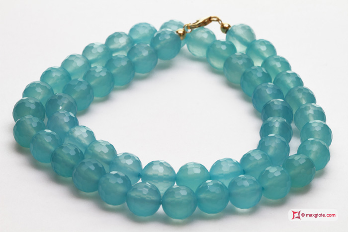 Extra Chalcedony Sea Blue Necklace 8mm faceted in Gold 18K