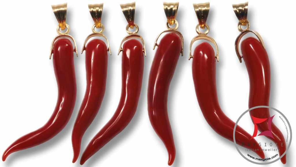 Nuova Collezione Set5 cornetti medi portafortuna Corallo rosso in oro 18K
