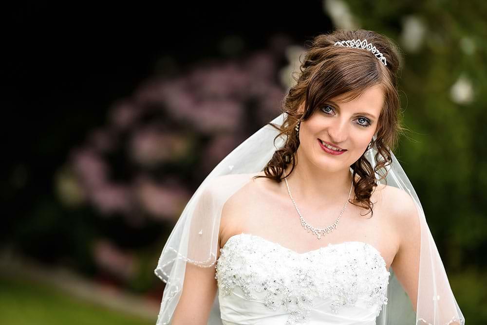 Hochzeitsbilder-Fotograf-Max-Hoerath-aus-Kulmbach-bietet-exklusive-Hochzeitsreportage-für-ihre-Hochzeit-Bayreuth-Bamberg-Hof-Coburg-Erlangen-Fürth