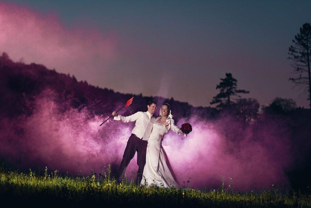 Rauchgranate Smoke Rauch Brautpaar