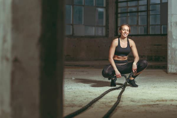 Fitnesscoach crossfit fitness waverope seil fotoshooting editorial fotostudio max hoerath bayreuth bamberg crossfit cleverfit nikon fotokurs produktfotografie 600x400 - On Location