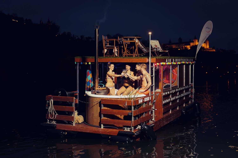 Aigs bootsverleih hausboot ferienspa%C3%9F w%C3%BCrzburg chillen spa%C3%9F jga werbefotografie werbung frankfort max hoerath design bamberg frankfurt hotpod - Werbefotografie – Aig´s Bootsverleih Würzburg