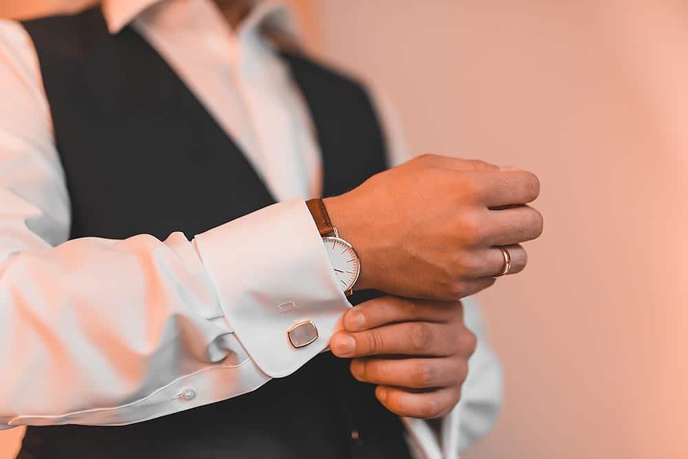 Hochzeitsfotograf Hochzeitsreportage Hochzeit Hotel Stempferhof Behringersm%C3%BChle G%C3%B6%C3%9Fweinstein fotograf max hoerath brautkleid tanz hotel uhr - Hochzeit - Sophia & Andi – Gößweinstein