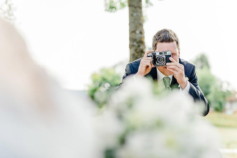 hochzeit in kronach oberfranken hochzeitsfotograf max hoerath design fotograf fotostudio kirche fotoshooting braut br%C3%A4utigam trauung 1 - Hochzeitsreportage mit Isabella & Sebastian in Kronach