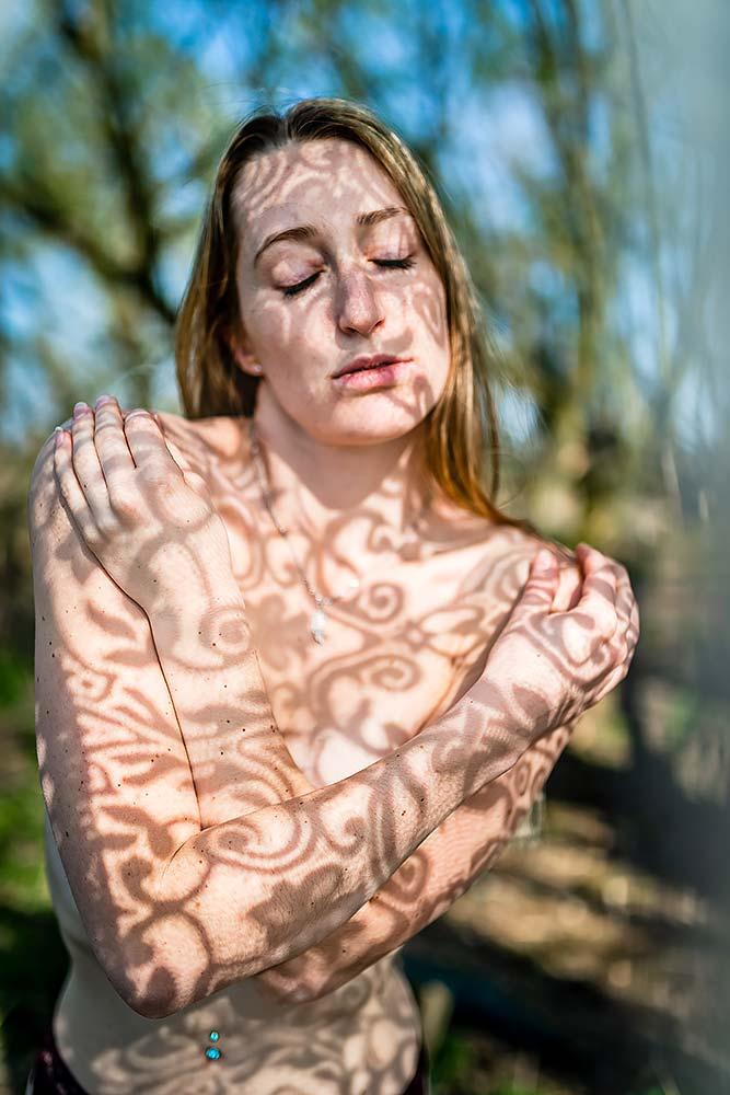 aktfotografie workshop erotikfotografie fotograf spiegel akt erotik teilakt dessous Boudoir m%C3%BCnchen n%C3%BCrnberg erlangen erfurt coburg kronach schattenspiel - Dein Fotokurs – In der Sonne fotografieren