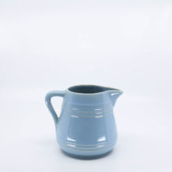 Pacific Pottery Hostessware 429 1-Qt Pitcher Delph