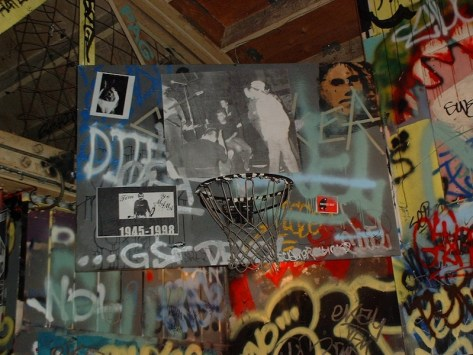 Picture of Tim on 924 Gilman's basketball backstop, 2006