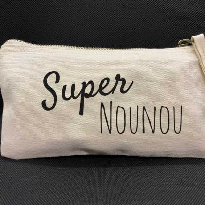 """Pochette """"Super Nounou"""""""