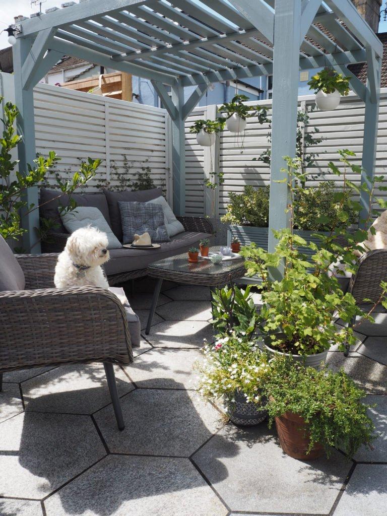 creating an outdoor garden room